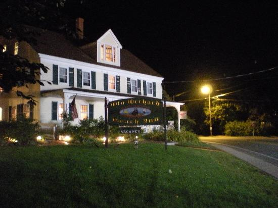 Old Orchard Beach Inn : Old Orchard at night