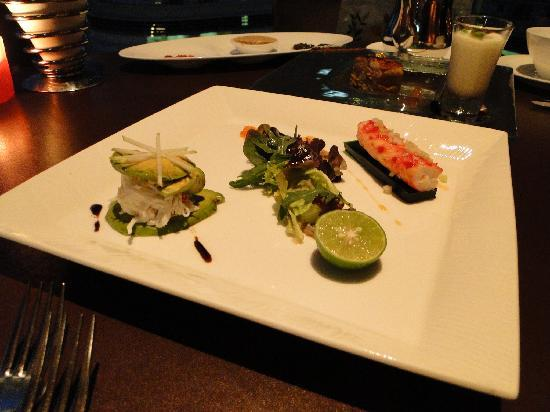 Santa Lucia Restaurant & Skybar: Alaska crab meat salad