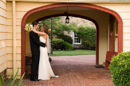 Joseph Ambler Inn: Bride and Groom Outside