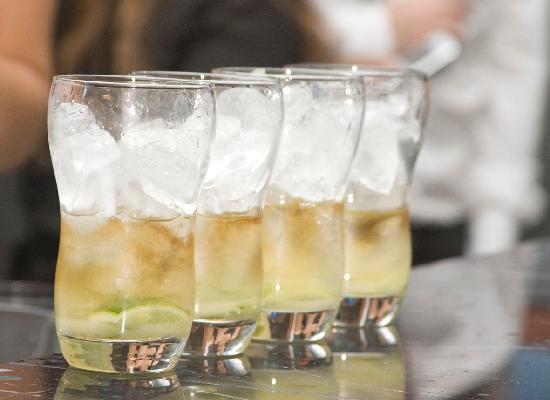 โอวน์ ปาแลร์โม ฮอลลีวูด: drinks @ own