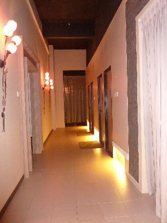 Zen Reflexology & Wellness Center: The massage rooms