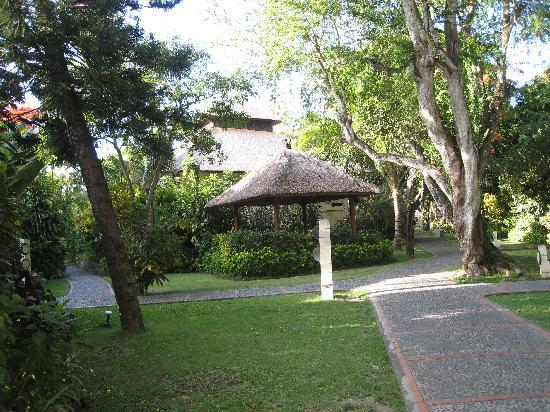 Mercure Resort Sanur: Bale