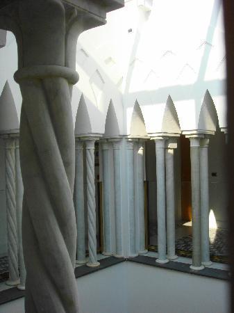 Palazzo Avino: 13th Century Palazzo Sasso Interior