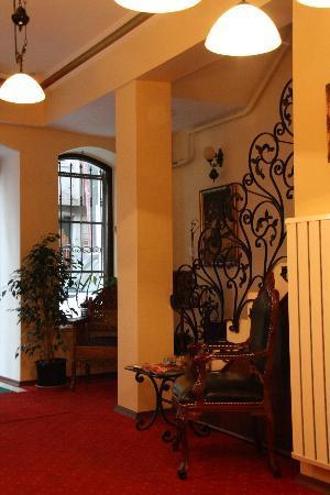 The Pera Hotel: Hotel lobby
