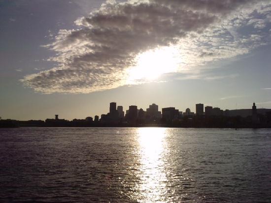 Québec (Stadt), Kanada: Montreal