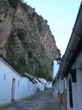 Montejaque, España: Callejuela, ya cerca de la sierra
