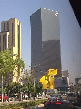 Paseo de la Reforma: DF Reforma Torre Caballito