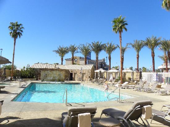 Staybridge Suites Las Vegas: The pool at Staybridge Suites
