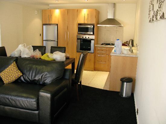 Distinction Wanaka: Nice full service kitchen