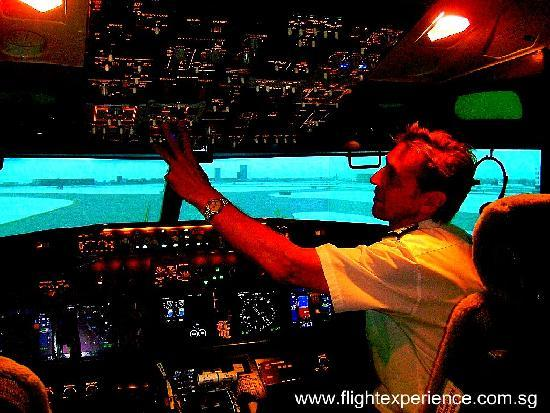 Flight Experience Flight Simulator: Flight Experience Singapore