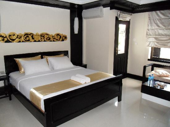 The Kool Hotel: my bedroom - Apsara delux