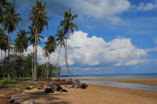 Samarinda, Endonezya: Tour de East Kalimantan @ Sekerat Beach, Bungalon, East Kutai, East kalimantan (INA)