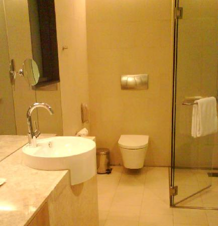 Toilet Picture Of Crowne Plaza Changi Airport Singapore
