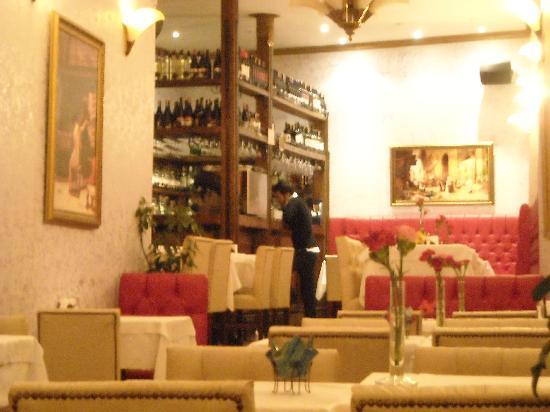 Istanbul Enjoyer Cafe & Restaurant: Interior Enjoyer restaurant