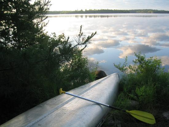 Big Lake Wilderness Lodge: canoe