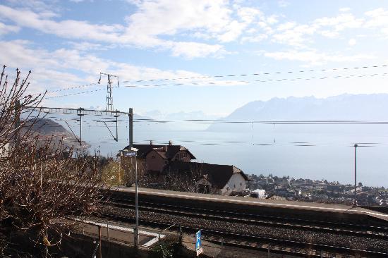 Auberge de la Gare : Aussicht aus Zimmer 3 Richtung Wallis