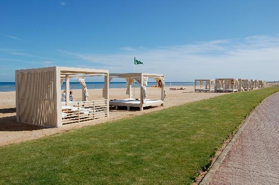 Sensimar Premier Le Reve: Beach cabanas