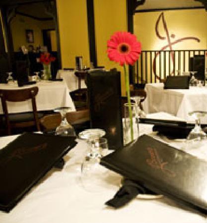 J. Bruner's Restaurant: J. Bruner's Dining Room