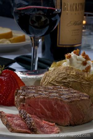 J. Bruner's Restaurant : The Lake's Best Filet