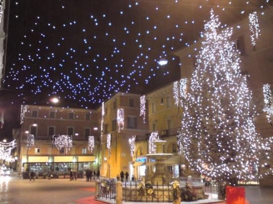 Luci di Natalle a Rieti, Piazza Vittorio Emanuele II
