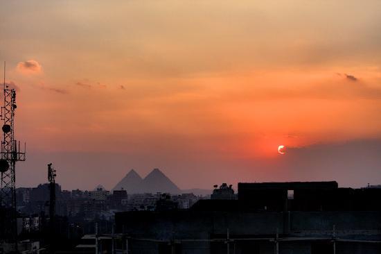 Golden Tulip Narmer Pyramids: View of the pyramids at sundown