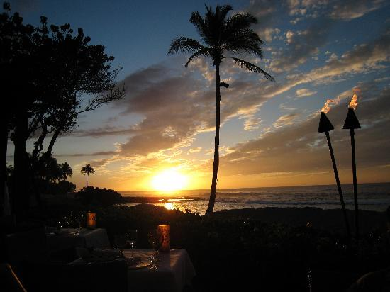 Four Seasons Resort Hualalai: Sunset at Pahui'a
