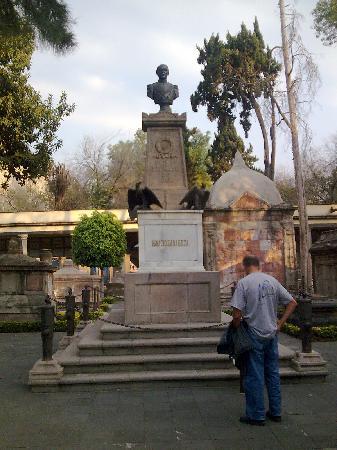 Cemetery of San Fernando: Mexico Panteon San Fernando Ignacio Zaragoza