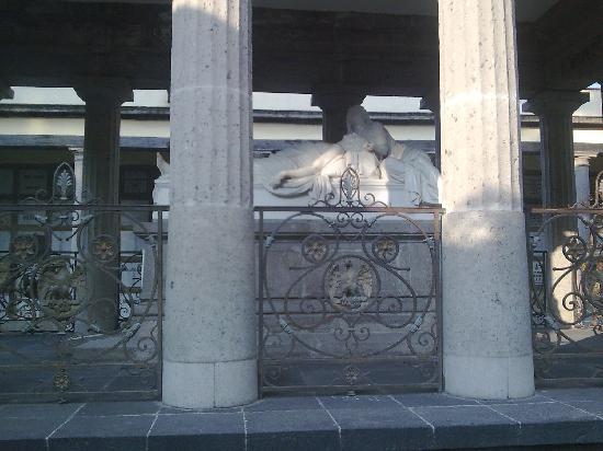 Cemetery of San Fernando: Mexico Panteon San Fernando Benito Juarez 1