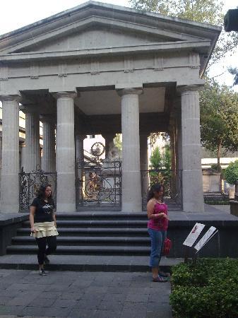 Cemetery of San Fernando: Mexico Panteon San Fernando Benito Juarez