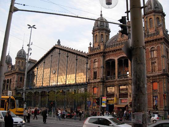 Budapest Western Railway Station: 外観