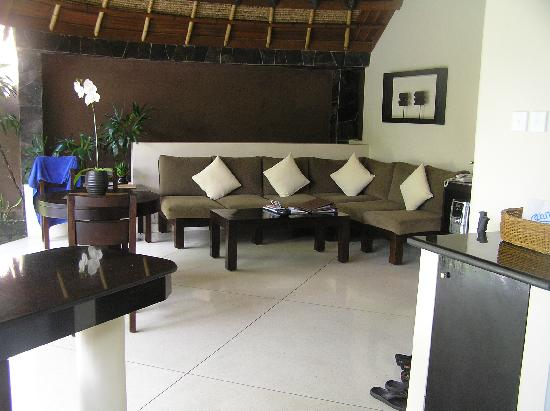 The Dusun: our open air lounge room - we spent a lot of time out here reading and eating afternoon tea (com