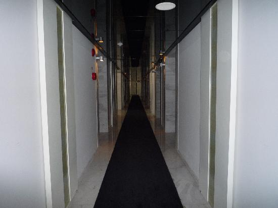 Kingtown Hotel: Corridor