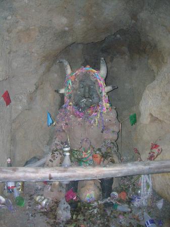 Potosi, Bolivia: el tio, semi dios