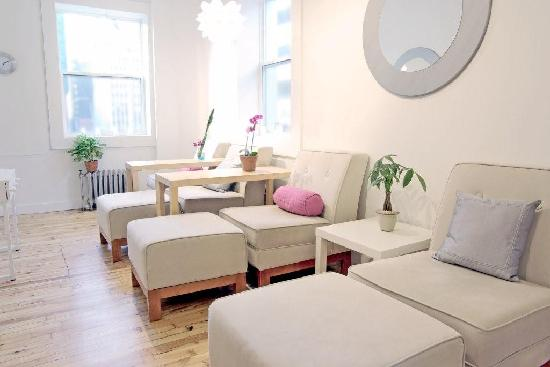 Remedy Facial Bar & Spa: Relax in our comfortable, friendly atmoshphere