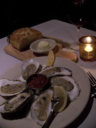 Admiral Steakhouse: Winter Point Oysters and Bread Loaf