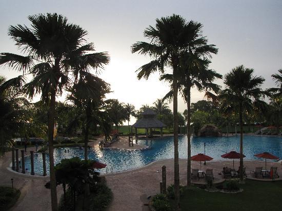 Thistle Port Dickson Resort : pool