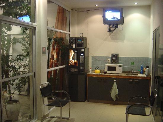 Arribo Buenos Aires Hostel: kitchenette
