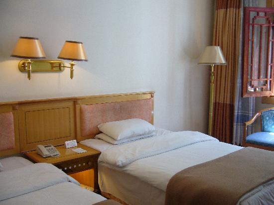 Jade Dragon Garden Hotel: ベッド