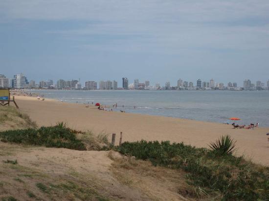 Las Olas Resort Hotel Punta Del Este: Downtown Punta Del Este - 10 min drive away