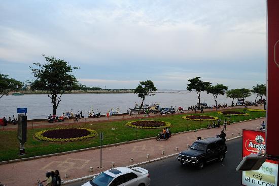 Paragon Hotel: Le Mekong vu du Balcon