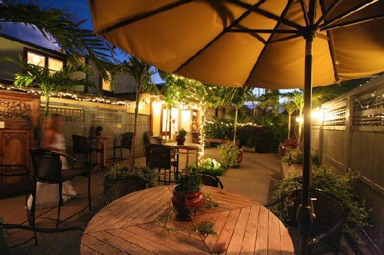 Paia Inn Hotel Patio