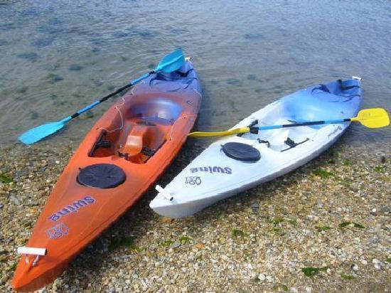 Anakiwa Lodge: Free Kayaks