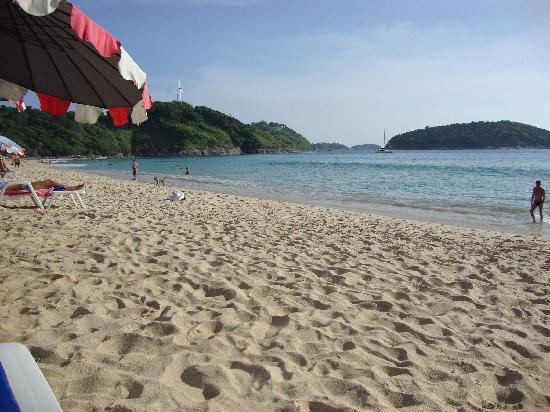 โรงแรมออล ซีซั่นส์ ในหาน ภูเก็ต: naiharn beach