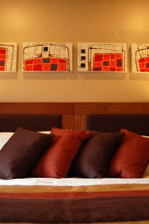 Puerto Chico Hotel: Estilo y Confort.