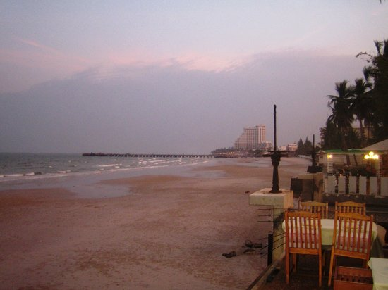 Coco51 Restaurant & Bar, by the Sea : Coco 51, Hua Hin, Thailand