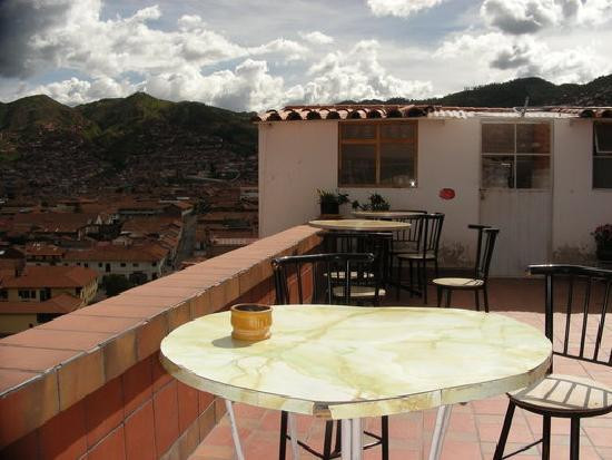 Hostal Resbalosa: Terrace under peruvian sun