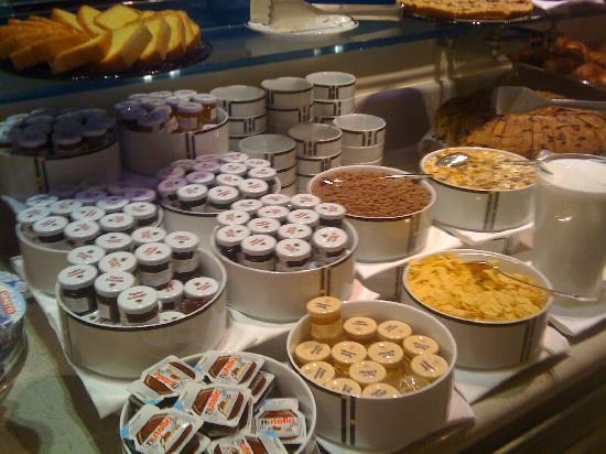 Palace Bonvecchiati: Buffet petit déjeuner 2/4
