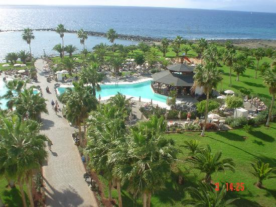 Hotel Riu Palace Tenerife: grounds from dining balcony