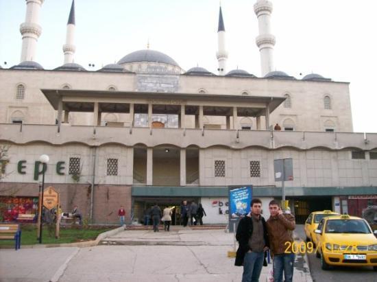 Kocatepe Mosque (Kocatepe Camii) Bild