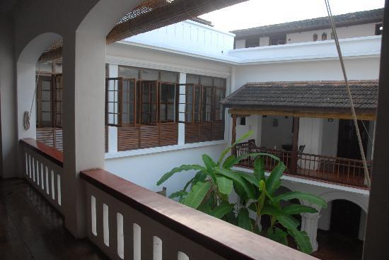 small internal courtyard picture of old harbour hotel kochi cochin tripadvisor. Black Bedroom Furniture Sets. Home Design Ideas